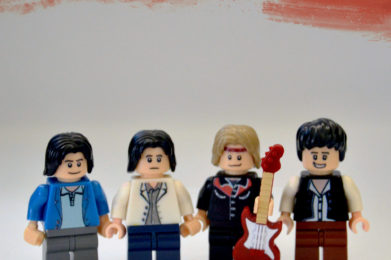 Dire Straits Lego minifigure created by Bloom Design, Mark Knopfler, John Illsley, David Knopfler, Pick Whiters