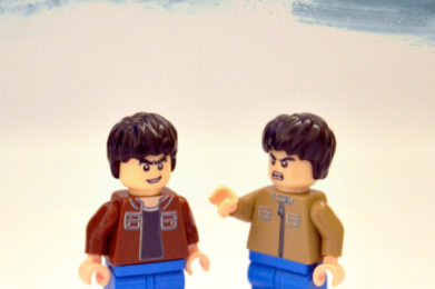 Oasis Lego minifigure created by Bloom Design, Noel Gallagher, Liam Gallagher