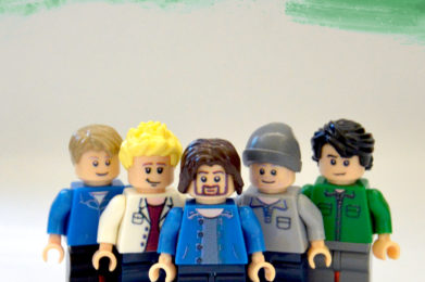 Pearl Jam Lego minifigure created by Bloom Design, Eddie Vedder, Jeff Ament, Stone Gossard, Mike McCready, Matt Cameron